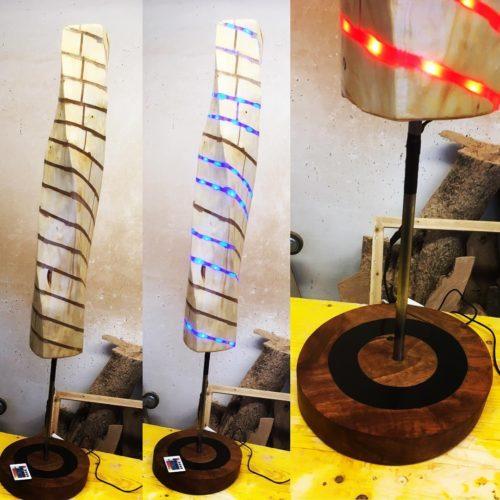 "Skulpturenlampe ""Verdreht"" mit farbigem LED ""verkauft 2019"""